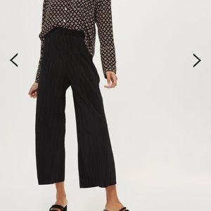 Topshop Pleated Trousers Crop Pants Black size 10